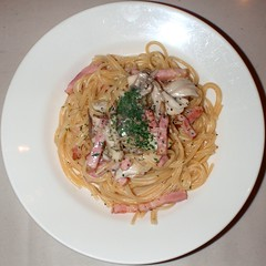 #6513 lunch: spaghetti with mushrooms, bacon, and cream sauce () (Nemo's great uncle) Tags: food lunch squaredcircle  squircle    setagayaku yga tky   southerndining