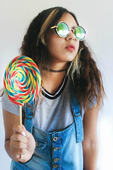 Lollipop? (TheJennire) Tags: camera light portrait people luz girl sunglasses fashion shirt self canon hair cores photography photo colours foto candy young makeup style shades colores teen nails indie overalls fotografia lollipop dungarees curlyhair camara 90s cabelo pelo cabello tumblr