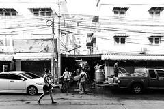 Bangkok Streets (Sergej Omeltschenko) Tags: travel bar canon thailand reisen asia bangkok nightshoot watarun 6d skybar bestshot statetower sirocco bestphoto travelnerd travelphotographie travelthailand baiyoketower streetphotographie traveladdict reisefieber