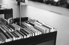 Used books (Federico Pitto) Tags: bw d76 nikonfe2 nikkor50mm18 rolleirpx400