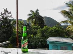 """Viñales: une bonne bière cubaine pour fêter notre arrivée dans cette superbe région <a style=""""margin-left:10px; font-size:0.8em;"""" href=""""http://www.flickr.com/photos/127723101@N04/25426818215/"""" target=""""_blank"""">@flickr</a>"""