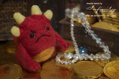 I am fire! I am death! (InfinitySadness) Tags: gold dragon treasure felting handmade handcrafted needlefelting hobbit smaug goldcoins fieltro fieltrodeaguja