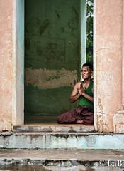 DSC_0710 (i.borgognone) Tags: travel temple burma pray bouddha myanmar priere birmanie