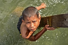 El Nio (photo-razzo) Tags: boy sea portrait water swim asian cool nikon asia southeastasia child outdoor availablelight naturallight portraiture nationalgeographic elnio d5500 flickraward discoveryphotos afsdxmicronikkor40mmf28g