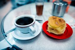 Kam Fung Cafe Pineapple Buns (Jon Siegel) Tags: coffee breakfast lunch hongkong nikon 14 sigma 24mm wanchai blackcoffee legit pineapplebun d810 kamfung  kamfungcafe sigma24mmf14art