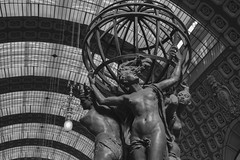 Peso do mundo (zenichetti) Tags: paris de europa museu eurotrip orsay ferias