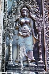 Phnom Bakheng - Devatas carved in Niches guard the main Shrine (Simon5591) Tags: khmer angkorwat siemreap phnombakheng