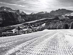 A postcard from Courchevel (Fabrizio Malisan Photography @fabulouSport) Tags: travel winter blackandwhite panorama mountain snow ski france mountains montagne french landscape landscapes scenery skiing view postcard panoramic resort alpine skiresort postcards savoie alpi viaggi montagna sci courchevel montagnes iphone frenchalps sciare wintersports snowcat skiholiday iphonephotos iphonephotography skidestinations iphoneography iphone6 groomedslopes