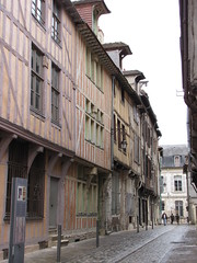 IMG_9121 (NICOB-) Tags: troyes ruelle monuments maison rue centreville aube colombages