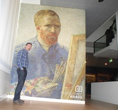 Museums selfie (Swassermatrose) Tags: city urban holland netherlands amsterdam museum europe vincent nl vangogh noordholland niederlande cityview vincentvangogh 2016 gemlde nederlnderna