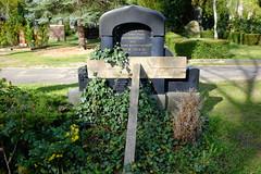 shaky (larsniel) Tags: wood friedhof berlin green grave kreuzberg headstone shaky cementary unstable