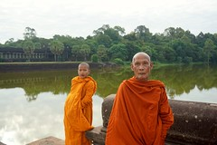 Siem Reap. Angor Wat. Kingdom of Cambodia. (maris.vabils) Tags: orange temple cambodia angkorwat monks siemreap kingdomofcambodia