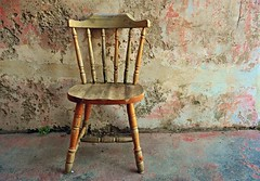 Positano. Sedia vuota (Silvana Berardelli) Tags: muro positano sedia legno casaabbandonata costieraamalfitana liparlati