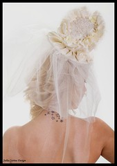 Egyedi kalap fejdisz fátyol (JÚLIA CARINA DESIGN) Tags: egyedi kézzel készült kiegészitők fejdísz kalap esküvő fehér fashion juliacarinadesign wedding bride bridal wear woman lady fascinator white handmade individual hairpeace hat veil menyasszonyi esküvői menyaszony fátyol fejdisz julia carina design kézzelkészült budapest madeinhungary menyasszony dekor hajdísz pin up carneval collector jewellery accessories burlesque horseracing artbalance esküvőstylist esküvődekoratőr esküvőikiegészítők women kiegészitő üzlet