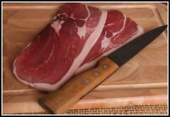 Du producteur..... au consommateur ! (Les photos de LN) Tags: macro nourriture entre jambon porc charcuterie tranches cassecrote