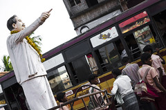 (Kals Pics) Tags: life travel people anna india bus history statue kids pov perspective streetlife thanjavur legend tamilnadu roi trichy villagepeople cwc villagelife tanjore rurallife schoolboys ruralindia ancientcity tiruchirapalli indianvillages ruralpeople rootsofindia ariyalur kalspics thirumazhapadi chennaiweelendclickers