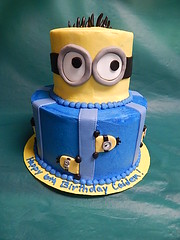 Minnions (GRAMPASSTORE) Tags: girls cakes sports boys cake movie cupcakes tv unique grandpa il cupcake superhero grampa grandpas lagrange grampas minions minion 60525 birthdaycustom 20150704