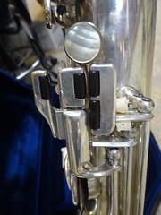 Selmer Super Sax Radio Improved baritone 19820 (willemalink) Tags: radio super sax improved selmer baritone 19820