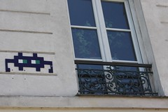Invader_9498 Paris 11 (meuh1246) Tags: streetart paris spaceinvaders invader mosaque paris11 boulevarddecharonne