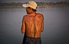Myanmar on the road (Francesca Braghetta) Tags: travel portraits canon photography fotografie photos burma photojournalism blogger photowalk fotografia backpacker burmese amore travelblog bagan photooftheday fotografare bestphoto avventure fotoreportage birmania anm avventurenelmondo manmar avventuroso blogdiviaggi