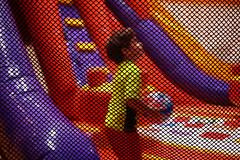 Safe (caio.kitade) Tags: parque brinquedo garoto criana rede menino brincando proteo