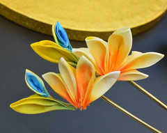 bird of paradise 07 (Bright Wish Kanzashi) Tags: flower yellow handmade silk exotic birdofparadise tsumami cadmium kanzashi customdesign zaiku