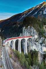 Landwasser Viaduct, Graubünden (peace-on-earth.org) Tags: bridge train geotagged switzerland railway tunnel unesco viaduct che worldheritage landwasser rhaetian landwasserviadukt filisur peaceonearthorg kantongraubünden schmittenalbula geo:lat=4668068301 geo:lon=967347718