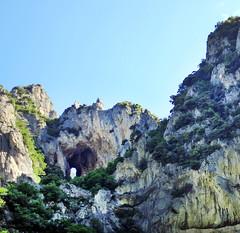 Parco Naturale della Gola della Rossa e di Frasassi - Foro degli Occhialoni (www.turismo.marche.it) Tags: roccia montagna marche grotte grotta ancona grottedifrasassi frasassi genga escursionismo escursione stalattiti stalagmiti provinciadiancona goladifrasassi forodegliocchialoni parconaturaledellagoladifrasassiedellarossa parconaturaleregionaledellagoladellarossaedifrasassi destinazionemarche