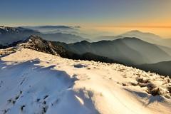 合歡山 ~雪之夕~  Snowed mountain Sunset (Shang-fu Dai) Tags: sunset snow clouds landscape nikon taiwan 南投 夕陽 20mm formosa 台灣 山 雪 風景 雪景 合歡山 雲海 hehuan 戶外 仁愛鄉 主峰 3416m d800e