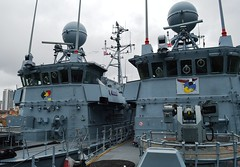 FGS Pegnitz M1090 + FGS Siegburg M1098 (4) @ WID 16-04-16 (AJBC_1) Tags: uk england london boat ship unitedkingdom military navy vessel docklands canarywharf nato warship minesweeper eastlondon mcv nikond3200 27mm germannavy navalvessel westindiadock deutschemarine minehunter m1098 minecountermeasuresvessel m1090 3minensuchgeschwader mlg27 ensdorfclassminesweeper dlrblog ajc bundeswehrnavy lightnavalgunsystem rheinmetalldetec fgssiegburg fgspegnitz 3rdgermanminesweepingsquadron