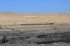 I_B_IMG_6299 (florian_grupp) Tags: china railroad train landscape asia mine desert muslim railway steam xinjiang mikado locomotive coal js steamlocomotive 282 opencastmine sandaoling