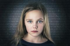 Mindre trasig (Le Pitch Photo) Tags: portrait photoshop canon studio kid child childphotography lastolite elinchrom studioshoot