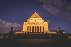 Shrine of Rememberance (tommy kuo) Tags: longexposure monument yellow architecture purple samsung australia melbourne anzac nx500