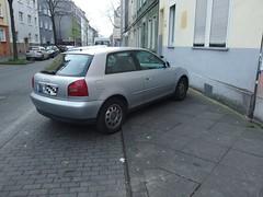 Hindernisparken (mkorsakov) Tags: sidewalk wtf dortmund nordstadt brgersteig karre nordmarkt scheissegeparkt parkedlikeanidiot