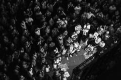 Vale do Anhangaba, SP (Th. C. Photo) Tags: street blackandwhite bw photography downtown centro streetphotography photojournalism pb streetphoto rua fotografia pt pretoebranco partido corrupo impeachment fotojornalismo deputado manifestao cunha fotografiaderua partidodostrabalhadores dilma downtownsp eduardocunha streetphotographysp