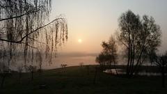 Sonnenaufgang (ulrike.heck) Tags: germany deutschland spring nebel nrw dsseldorf sonne sonnenaufgang frhling morgens dunst ulrikeheck