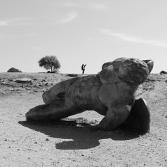 Agrigento - Sindrome di Icaro vs Sindrome da selfie (valerologan) Tags: sicily statua sicilia agrigento valledeitempli icaro