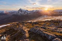 Glen Coe (etunar) Tags: sunset snow mountains landscape scotland spring dusk glencoe sunstar scottishhighlands buachailleetivebeag buachailleetivemor visitscotland