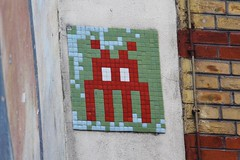 Invader_0767 Paris 11 (meuh1246) Tags: streetart paris spaceinvaders invader mosaque paris11 rueerard