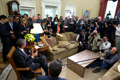 Oval Office briefing (US Department of State) Tags: press journalism reporters journalist freepress reporting may3 worldpressfreedomday