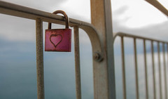 I de... I love (Nathalie Le Bris) Tags: italy love fence heart amor coeur amour cinqueterre corazn barrire