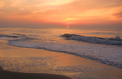 Relax it's a new year (On Explore 1/10/2016) (die Augen) Tags: ocean city seascape beach beautiful sunrise canon reflections md sand colorful waves relaxing foam sl1 peaseful