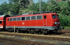 110 154  Marburg  28.05.05 (w. + h. brutzer) Tags: analog train germany deutschland nikon 110 eisenbahn railway zug trains db locomotive marburg lokomotive e10 elok eisenbahnen eloks webru
