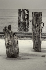 Fifty Point Groynes 1 (Paul B0udreau) Tags: bw snow ontario canada water nikon samsung niagara master layer pilings lakeontario groyne grimsby ribbet nikkor50mm18 tonemapping fiftypoint d5100 samsungmaster paulboudreauphotography nikond5100 photoshopcc