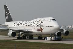 HS-TGW FRA 20-9-2009 (Plane Buddy) Tags: frankfurt thai boeing fra 747400 staralliance eddf hstgw