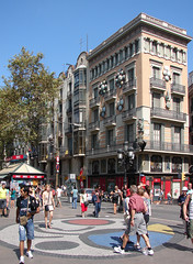 Barcelona (Maxofmars) Tags: barcelona city people espaa art spain europa europe bcn ciudad visit tourist catalonia stadt catalunya espagne ville spanien barcelone spagna citta mir rambla turista touriste catalogne