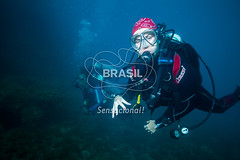 NE_Abrolhos0029 (Visit Brasil) Tags: horizontal brasil retrato natureza mergulho bahia esporte nordeste aventura externa abrolhos subaqutica comgente diurna