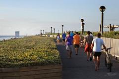La promenade de la plage qui surplombe l'ocan (Biscarrosse Tourisme) Tags: se promenade plage longer balade biscarosse ocan bisca biscarrosse promener