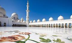 Sheikh Zayed Moschee in Abu Dhabi (verriervassy) Tags: gold reisen dubai minaret islam urlaub religion uae zayed abudhabi emirate sheikh bau palast tourismus reich reise arabisch marmor sehenswrdigkeit weis moschee reichtum religis vereinigte arabische