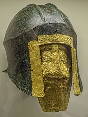 Funerary bronze helmet with gold mask from the necropolis at Archontiko Grave 279 Greek mid 6th century BCE (mharrsch) Tags: chicago bronze soldier greek death gold illinois ancient mask helmet exhibit greece armor 6thcenturybce burial warrior armour funerary thefieldmuseum thegreeks mharrsch archontiko thegreeksagamemnontoalexanderthegreat